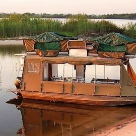 Zambezi houseboat safari